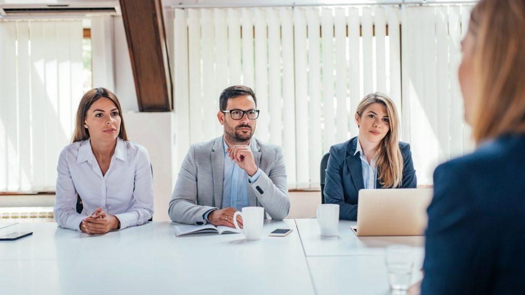 podniky-zamestnanci